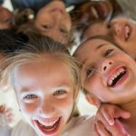 laughing-children-picture-id847353972-1