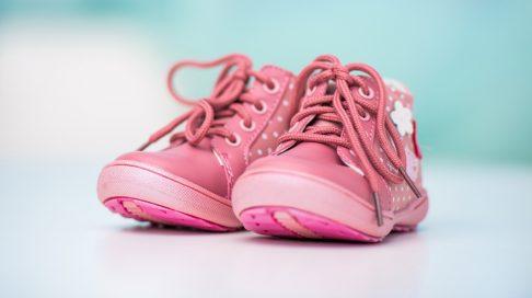 8dec80c3 Hvor store sko skal du kjøpe? | Baby | Babyverden.no