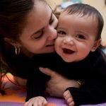Lek med baby 2-7 måneder