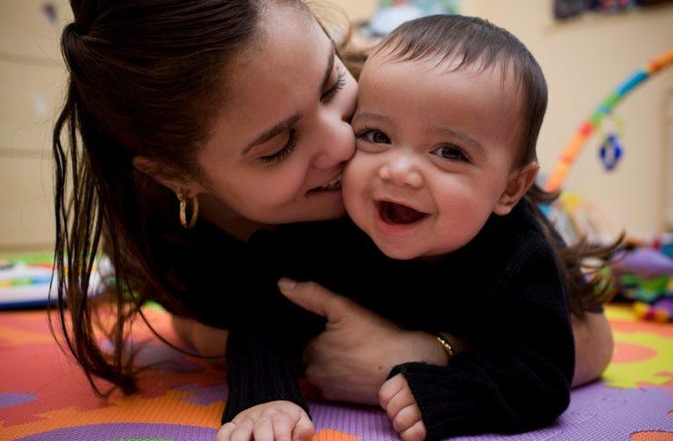 f92adb5a Lek med det 2–7 måneder gamle barnet ditt!