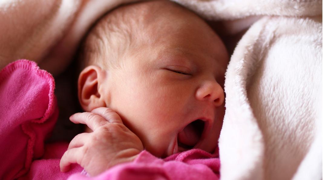 Økedager er navnet på perioder hvor du, babyen, eller dere begge, sørger for hyppig tømming av brystene, slik at produksjonen økes. Illustrasjonsfoto: iStock