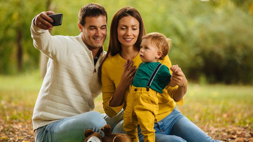 Flere og flere velger mamma og pappa. Er mor og far ut?