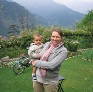 Undis og sønnen Nihal setter seg snart på flyet til Norge. Snart skal Nihal bli storebror.