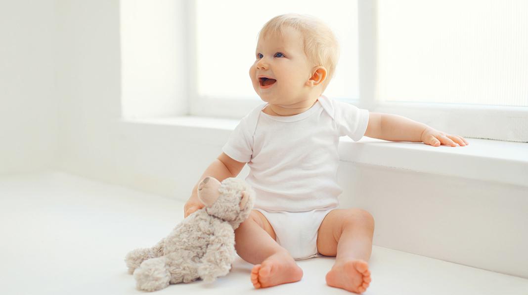 6–9 måneder - barnets utvikling