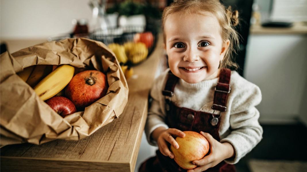 Slik lærer du barn sunne matvaner