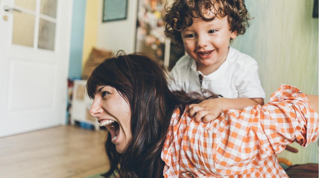 Lek med barnet ditt hver dag