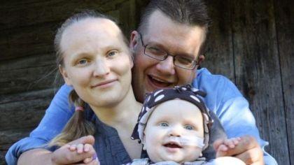 Eliisa (1) har kreft og tilbringer mye av livet på sykehus. nå samler pappa inn penger slik at det skal bli morsommere å være innlagt lenge