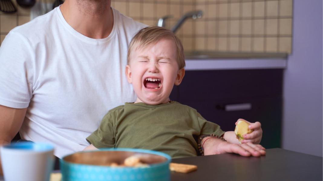 Tenker du at det er best om barnet får viljen sin? Eller er du redd for å virke for streng? Det å ikke ha tydelige grenser kan gjøre større skade enn du tror. Illustrasjonfoto: iStock