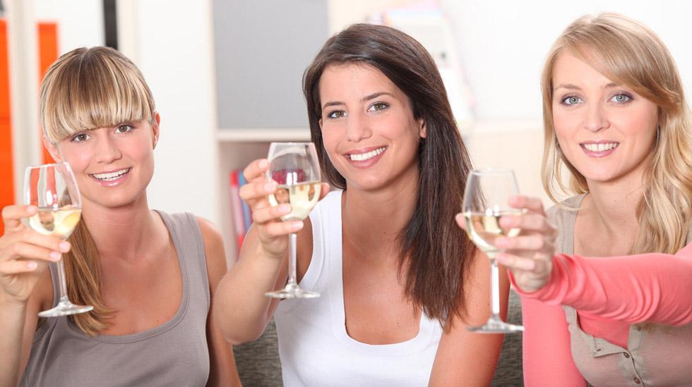 Når er det greit å nyte alkohol igjen? Illustrasjonsfoto: Shutterstock