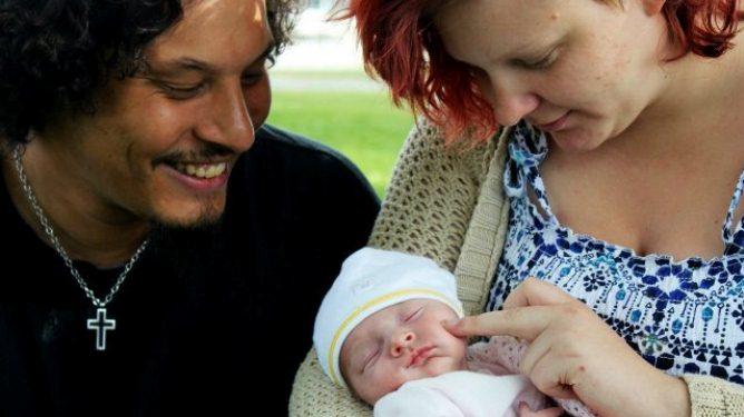 Selv om Anne Belinda og Henrik ikke visste om vesle Stine-Caroline, ble de raskt en lykkelig liten familie. Alle foto: privat