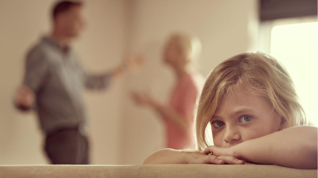 Mange barn tar på seg skylden når mor og far er uenige.  – Å ta på seg slik skyld er skadelig for barn, sier Jon Aarsland ved Familievernkontoret i Sør-Rogaland. Illustrasjonsfoto: iStock