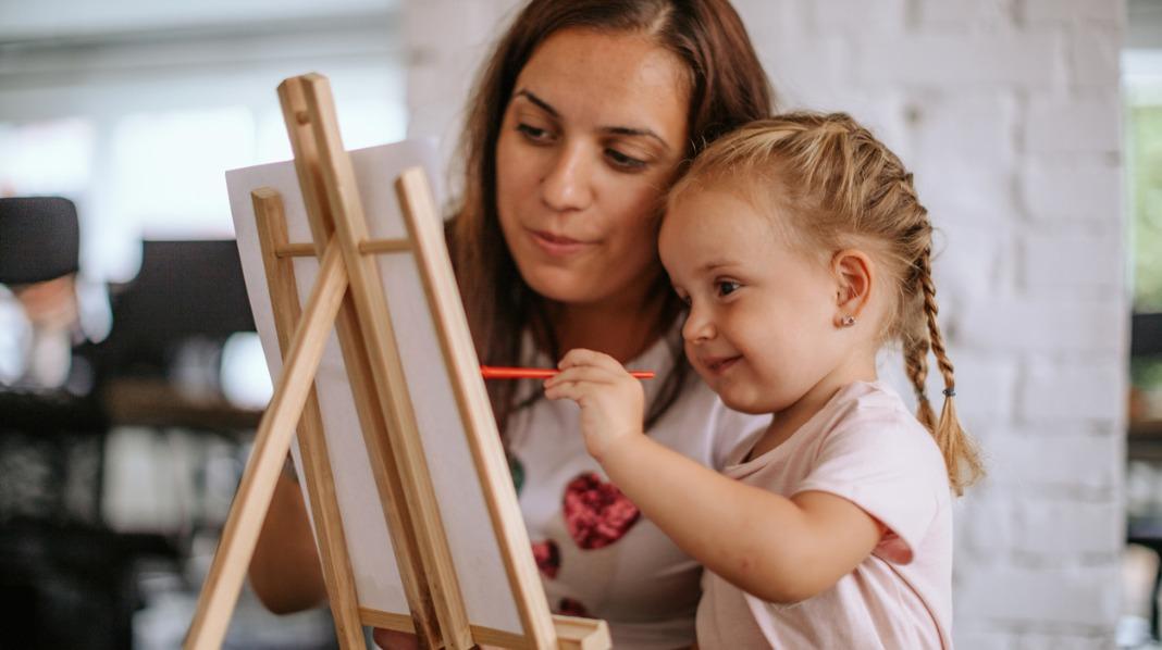 Slik tar du vare på barnas kunst