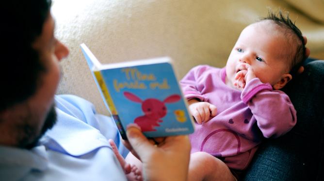 Slik utvikles babyens språk