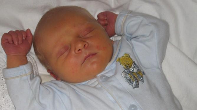 Bodyen Tobias har på seg på dette bildet, er den første Trine kjøpte etter at hun fikk vite at babyen i magen var en gutt. Alle foto: privat
