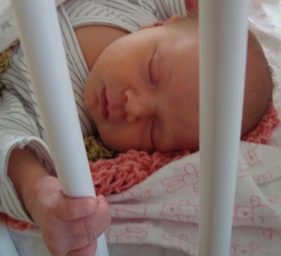 Sigrid i søt søvn hjemme.
