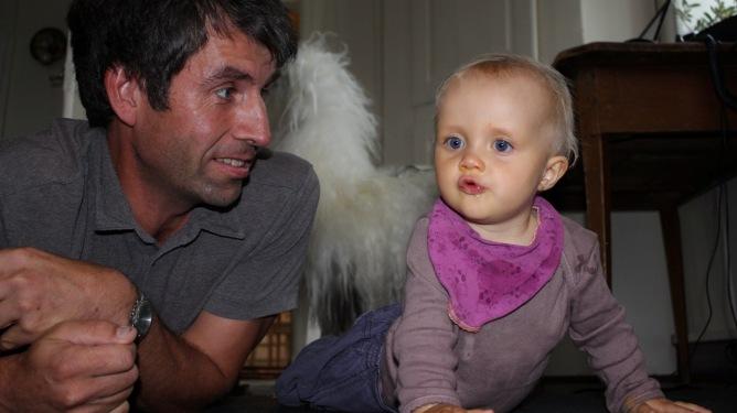 Mikkel Aanderaa og datteren Johanne. Foto: privat