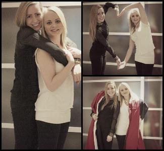 Søstrene sammen før de visste at de var gravide. Marina og Marion har alltid hatt et nært forhold.