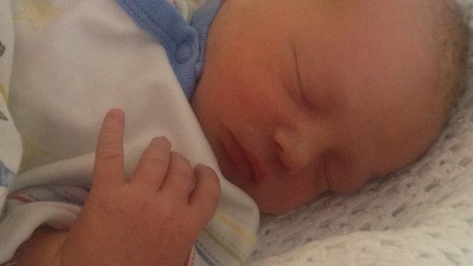 Lillebror har ikke fått navn enda. Foto: privat