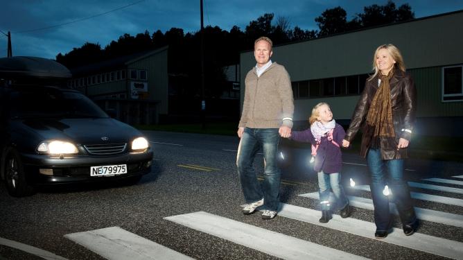 Så godt synlige bør dere være når dere ferdes i trafikken. Foto: Trine Bjervig/Trygg Trafikk