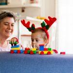 Leker med julegave