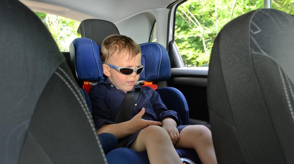 Godt vi har det derre google, ellers hadde du ikke kunnet noen ting, mener sønnen til Antisupermamma. Illustrasjsonfoto: Shutterstock