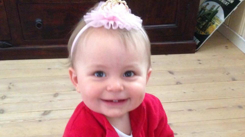 I dag er Ylva Elise ei glad og livlig jente på snart 2 år. Foto: privat