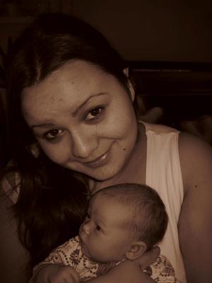 Mamma Lana og vesle Anneli. Foto: privat