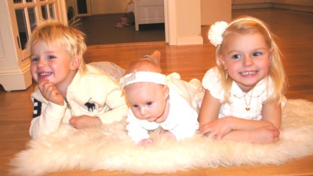 Tre søsken, og tre forskjellige fødsler. Sander, Sophia og Isabella.