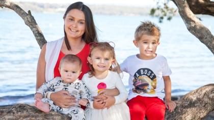 Michelle med barna Lennox, Mayah og Bodie.