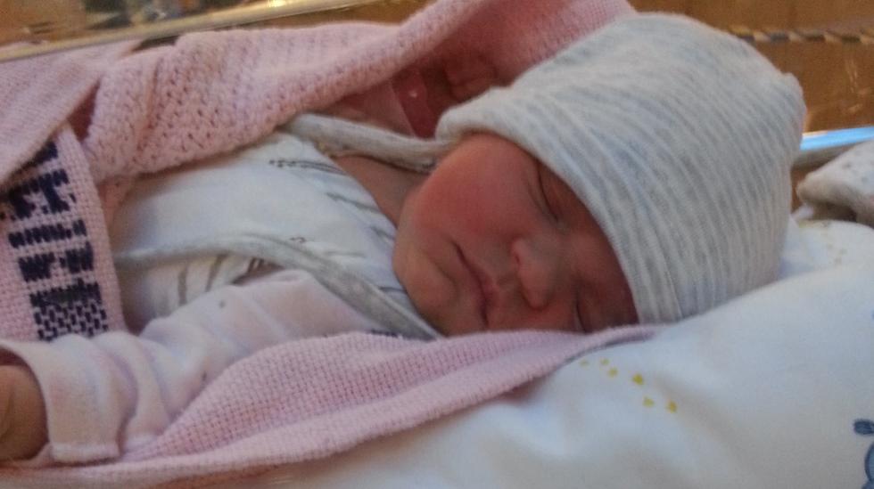 Søte lille Natalia helt ny i verden. Foto: privat