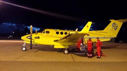 Ulriks første flytur ble i et ambulansefly.