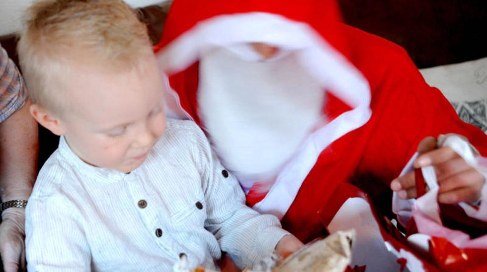 Nytt eller brukt til jul? Marte skriver at hun selv gjerne gir brukte gaver - og får mer for pengene. Foto: privat