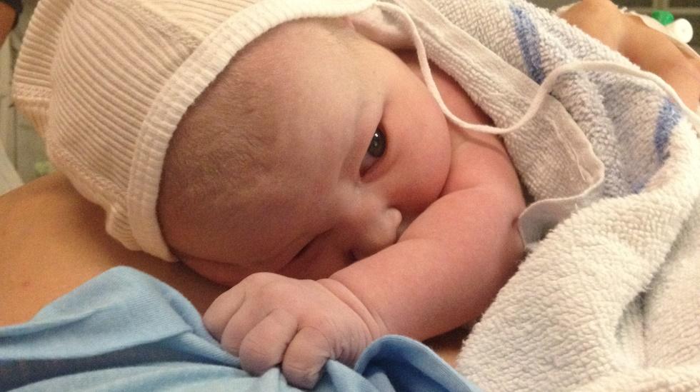 Lea Amalie helt ny i verden. Foto: privat