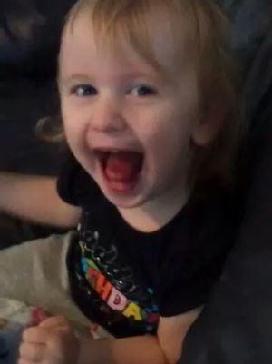 To år gamle Charlotte er allerede storesøster til tre, til sommeren blir det fem!