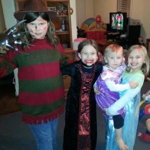 Megan Haggertys fire døtre på Halloween.