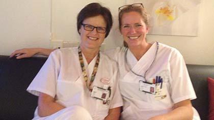 Jordmødre på jobb: Grethe og Ragna på vakt på Stavanger Universitetssjukehus. Foto: privat