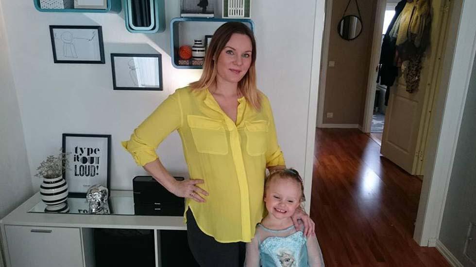 Ida M. Berner Munthe er gravid med tvillinger. Hun sier svangerskapet er veldig annerledes enn da hun ventet datteren Melania (4 år). Foto: privat