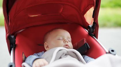 Det skal være luftig rundt babyen også i vognen.