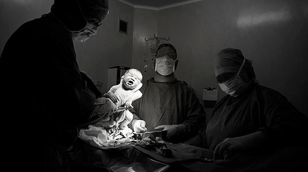 Foto: fødselsfotograf Marysol Blomerus, www.CapeTownBirthPhotography.com