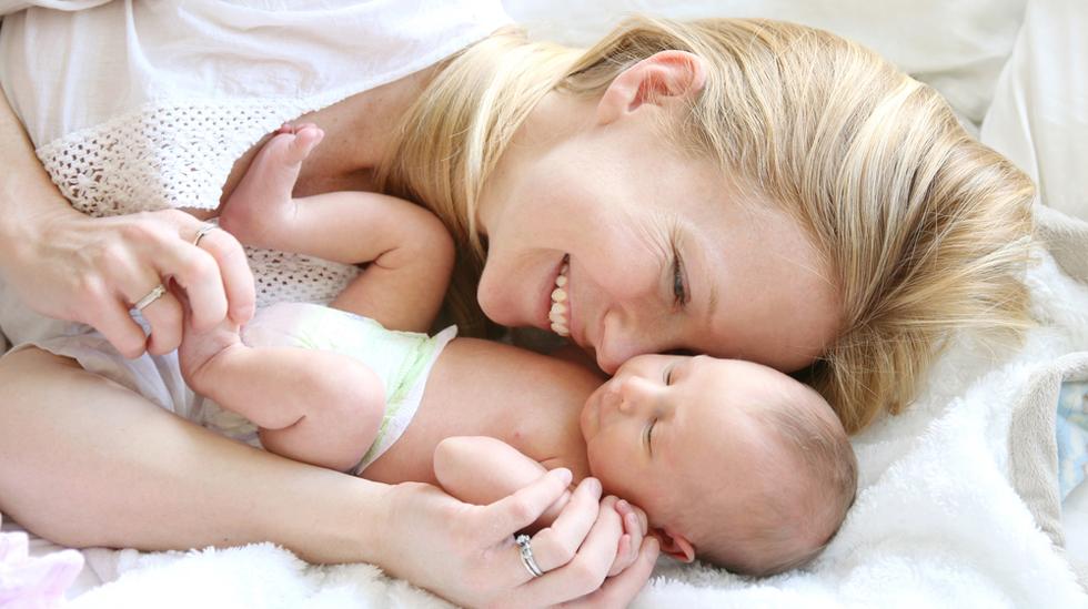 Det pleier ikke å skorte på gode råd når man blir mamma. Men her har mødre delt sine beste råd. Fra mor til mor. Foto: Shutterstock