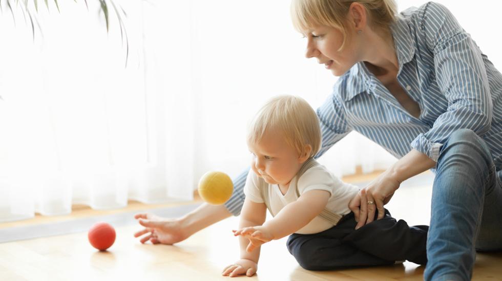 Ettåringen bør ha en eller to faste voksne å forholde seg til. Illustrasjonsfoto: Shutterstock