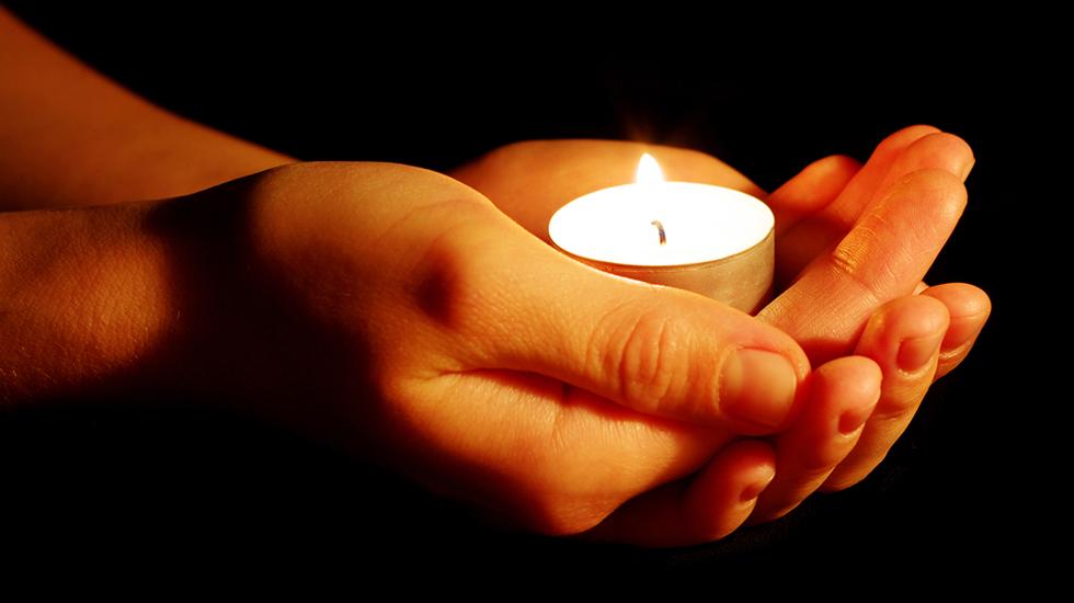 Har du selv mistet et barn, eller kjenner noen som har det? Tenn et lys til minne i kveld. Foto: Shutterstock