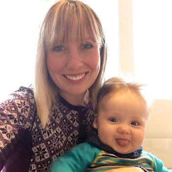 Line sammen med sønnen Mathias (5 måneder).