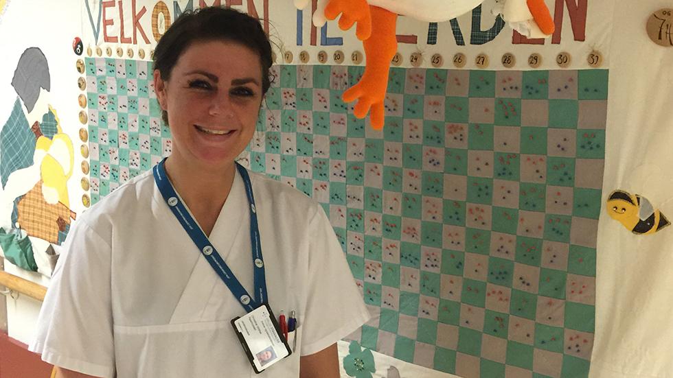 Jordmorstudent Christine Vinther Rasmussen var med på fødsel sammen med jordmor Grethe. Foto: privat
