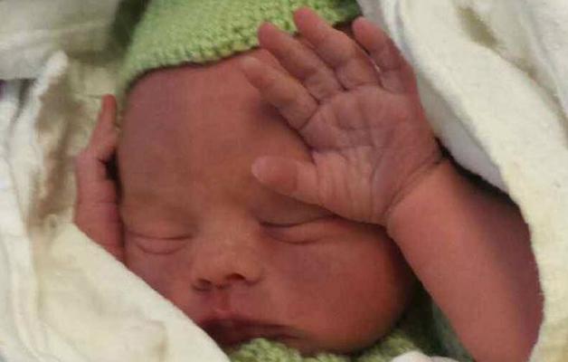 Lille Julian kom til verden i uke 34+0. Foto: privat