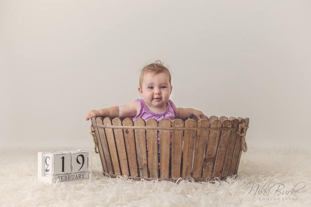 Eva 9 måneder gammel.