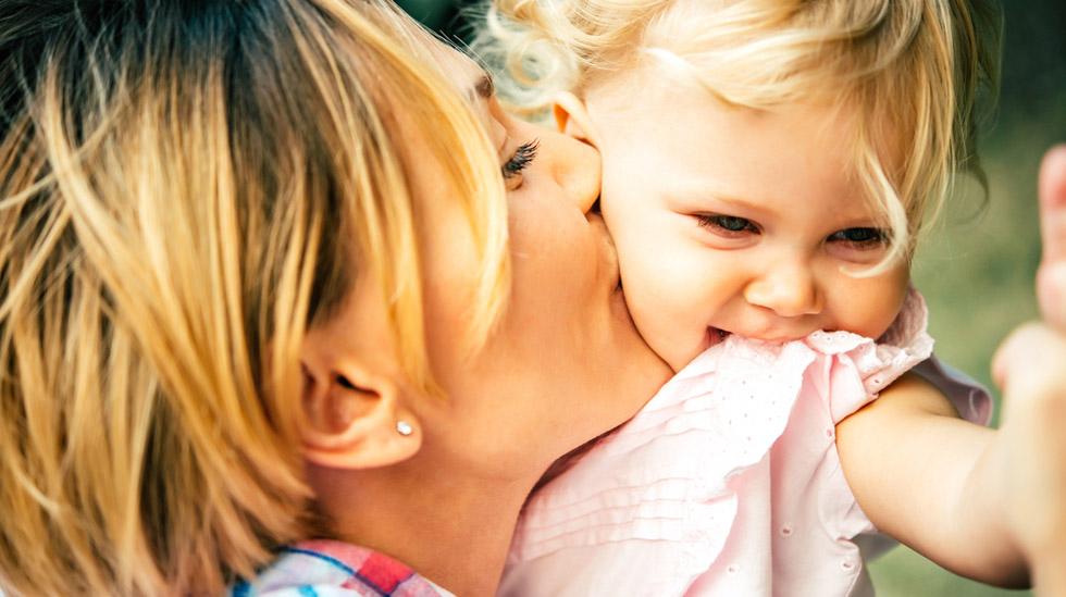 Hvordan kan du best hjelpe barnet ditt til å få tro på seg selv? Og kan det bli for mye av det gode? Illustrasjonsfoto: Shutterstock