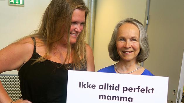 Gro Nylander sammen med programleder Thea Klingenberg.