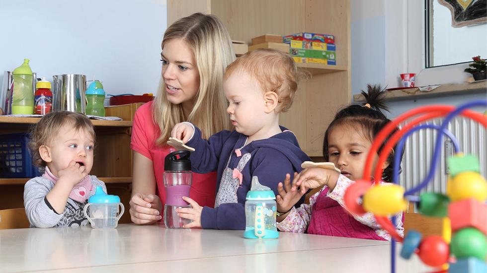 Tilvenning i barnehagen handler om å få en best mulig overgang for barnet - på barnets premisser. Illustrasjonsfoto: Shutterstock