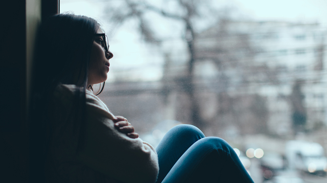 Det er kan være mange følelser i forbindelse med en senabort. Be gjerne om hjelp til å bearbeide ting – og bruk tid til å komme gjennom sorgen. Illustrasjonsfoto: iStock